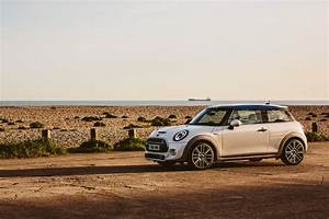 Bmw Royal Sa : one off mini designed as a toast to the upcoming royal wedding of prince harry and meghan markle ~ Gottalentnigeria.com Avis de Voitures