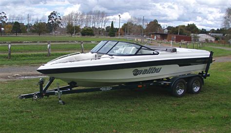 Malibu Boats Engine Options by 2001 Malibu Sunsetter Vlx 102 Apex Marine