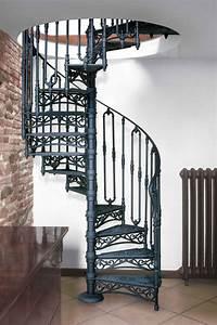 Geländer Treppe Aussen : nostalgie wendeltreppe 140 cm modell 2050 s treppenstufen aus gusseisen mit setzstufe ~ A.2002-acura-tl-radio.info Haus und Dekorationen