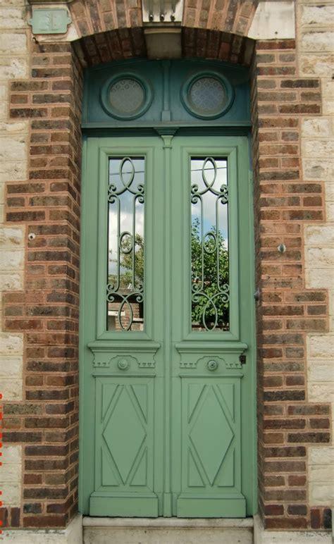 porte d entree isolante portes anciennes vantaux avec tierce et imposte