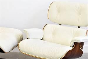 Eames Chair Weiß : lounge chair ottoman eames vitra designklassiker schweiz ~ Markanthonyermac.com Haus und Dekorationen