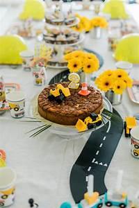 14 Geburtstag Feiern Ideen : deko ideen zum kindergeburtstag mit bagger woman at ~ Frokenaadalensverden.com Haus und Dekorationen