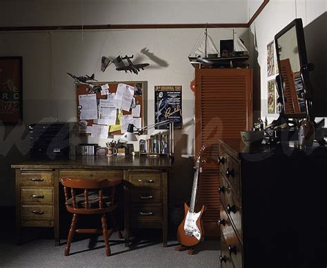teenage bedroom  guitar home decor interior decor