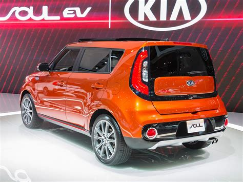 2017 Kia Soul Turbo First Review Kelley Blue Book