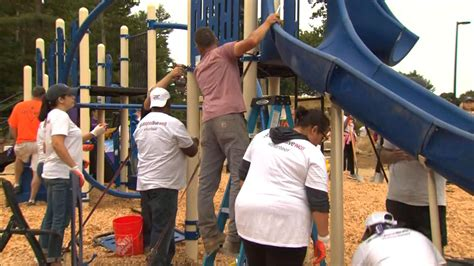 Build Help by New Patriots Help Build Playground In Foxborough
