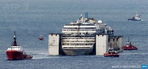 Cruise Ship Sinking Italy by Image Gallery Italian Ship Crash