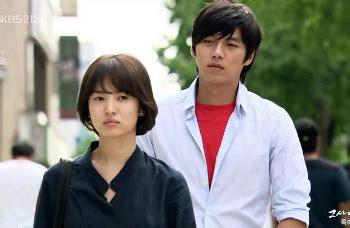 bangkrut hyun bin  song hye kyo tak dibayar penuh