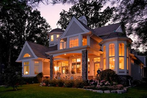 cape  shingle style lake home traditional exterior