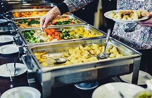 Buffet Cuisine But : cuisine culinary buffet dinner catering dining food celebration stock photo image of people ~ Teatrodelosmanantiales.com Idées de Décoration