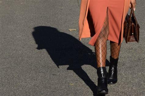 que porter avec une jupe crayon porter une jupe crayon fendue au bureau deadlines dresses
