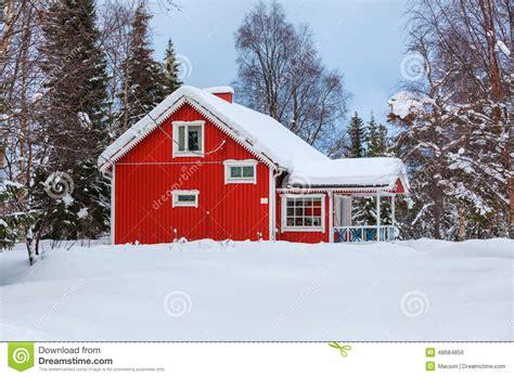 maison finlandaise en bois photo stock image 48684856