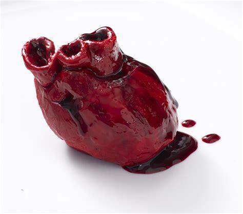bleeding heart cake recipe  lily vanilli