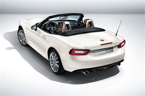 Fiat 124 Spider Revealed At 2015 La Show Fiat's Mx5