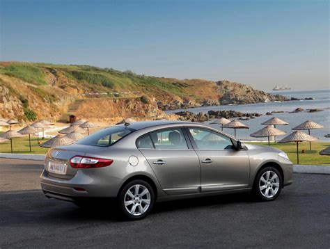 Renault Fluence Photos and Specs. Photo: Renault Fluence tuning and 26 perfect photos of Renault ...