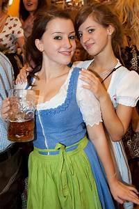 Oktoberfest Girls | Dirindl | Pinterest