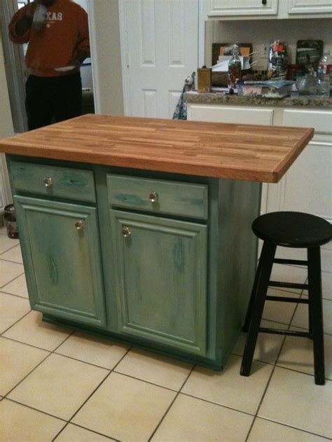 turquoise kitchen island distressed turquoise kitchen island decorating neat