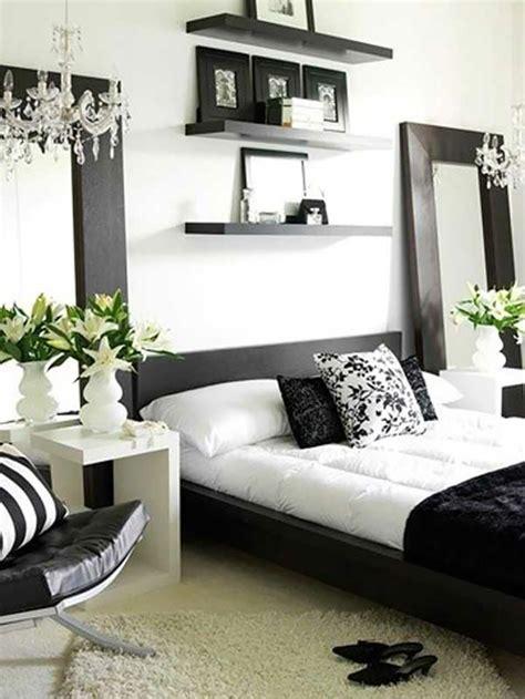 chambre à coucher blanc et noir 16 sources d inspiration design pour votre chambre à coucher