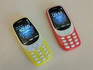 Nokia 3310 Hands
