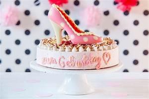 Torte Für Geburtstag : happy birthday kuchen torte rezepte mit kerzen schriftzug ~ Frokenaadalensverden.com Haus und Dekorationen