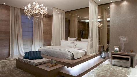 Bedroom Decor by 16 Fascinating Bedrooms With Extravagant Chandeliers