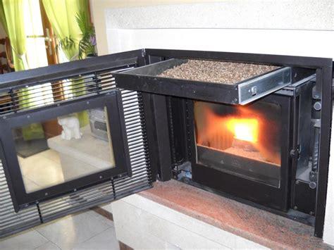 cheminee avec insert fonte flamme