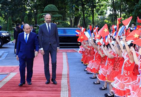 Welcome ceremony held in Hanoi for French Prime Minister ...