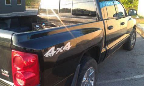 sell   dodge dakota slt crew cab pickup  door