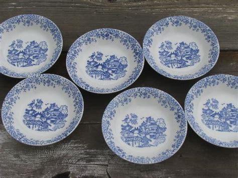 blue willow pattern fruit bowls vintage american