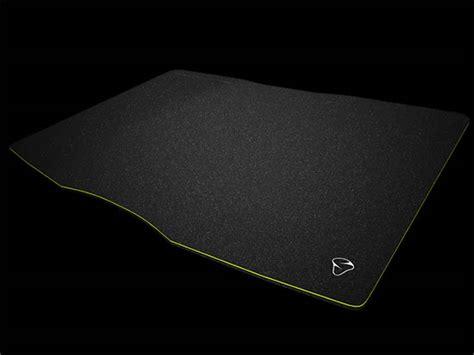 gros tapis de un gros tapis de compet chez mionix le propus 380 claviers souris tapis de souris