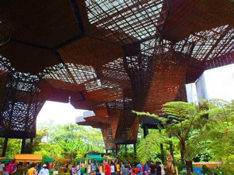 Arquitectura Del Jardín Botánico Medellín  Foto Di