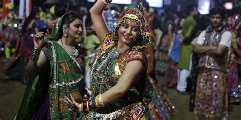 reasons       garba raas dance