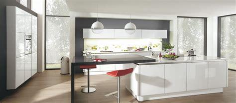 cuisines contemporaines cuisine contemporaine avec îlot cuisines cuisiniste aviva