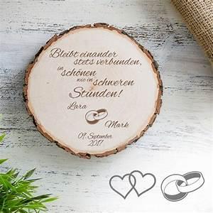 Geschenke Für Hochzeit : individuelle baumscheibe zur hochzeit bleibt verbunden ~ Frokenaadalensverden.com Haus und Dekorationen