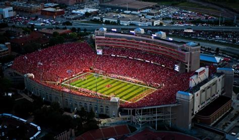 uh names stadium architect  daily cougar