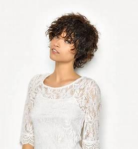 Coupe Courte Frisée Femme : coupe courte cheveux fris s femme ~ Melissatoandfro.com Idées de Décoration