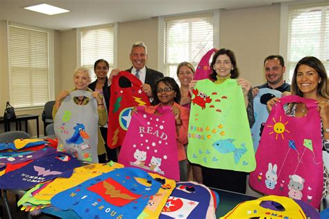 greenwich preschool offers capes as reading incentive 836 | rawImage