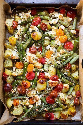 ofenkartoffeln mit gruenem spargel tomaten und feta