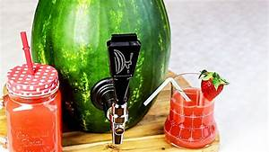 Handtasche Mit Zapfhahn : wassermelone mit zapfhahn youtube ~ Yasmunasinghe.com Haus und Dekorationen