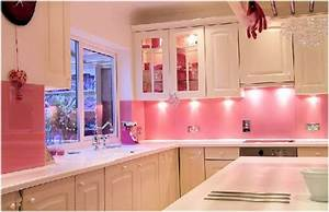 diseno de cocinas rosas With kitchen colors with white cabinets with art nouveau wall panels