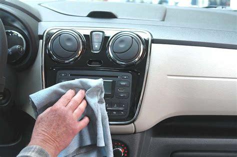 nettoyage sieges auto nettoyer les sièges de sa voiture 10 trucs nettoyage