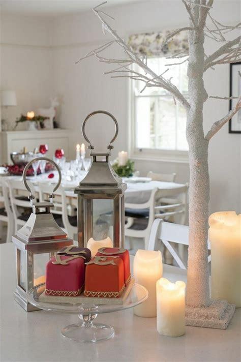 Déco table Noël rouge et blanc   50 idées qui unifient le