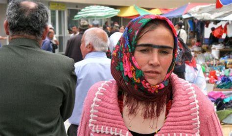 Последние твиты от ケイン・ヤリスギ「♂」 (@kein_yarisugi). タジキスタンの一本眉な女性たちのスナップショット - DNA