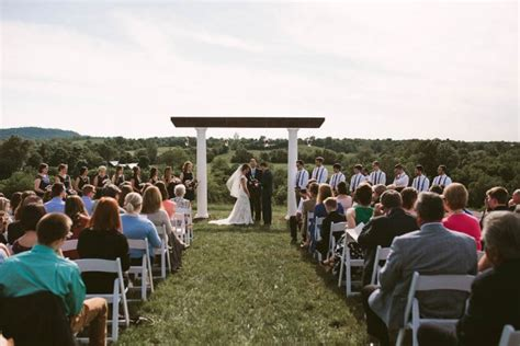 bluegrass wedding barn rustic kentucky wedding at the bluegrass wedding barn