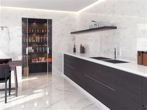 foto cocina moderna  alacena grande  muebles sin