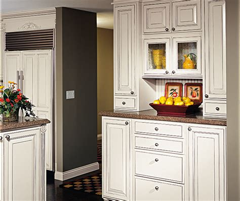 white kitchen cabinets with glaze chantille white cabinet color on maple decora 1812
