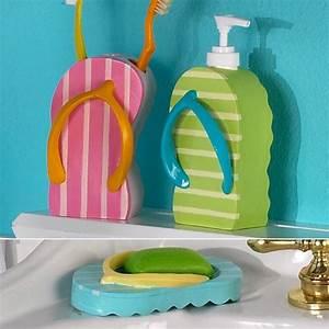 Interesting flip flop uses for Flip flop bathroom decor