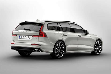 volvo  mid size premium estate revealed autobics