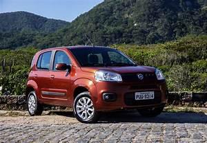 Fiat Uno Attractive - Testes