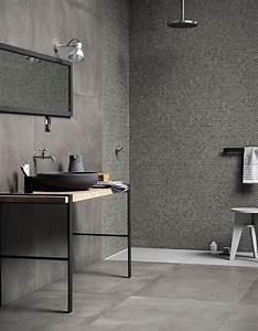 35 salles de bains design elle decoration for Salle de bain design avec douille décorative