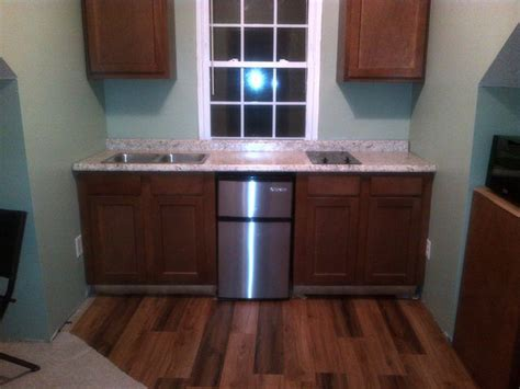 kitchen counters - How can I deal with non square walls